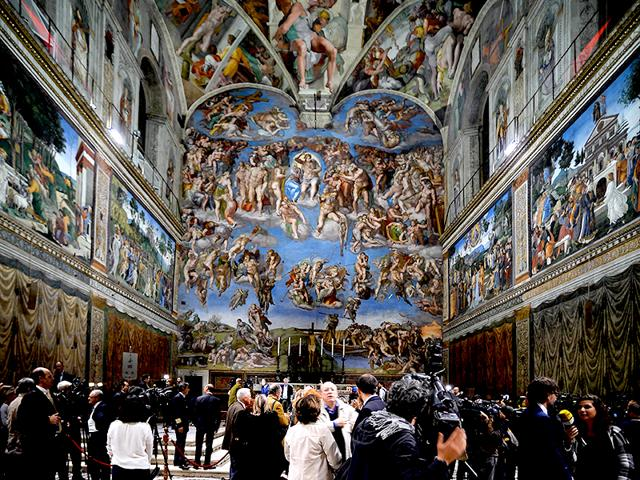 The-Vatican-presented-the-LED-lighting-in-the-Sistine-Chapel-to-illuminate-the-ceiling-frescos-Photo-AFP