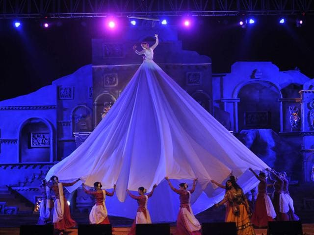 Dance drama 'Meghdootam' being staged on the occasion of 59th Foundation Day of Madhya Pradesh, in Bhopal. (Praveen Bajpai/HT photo)