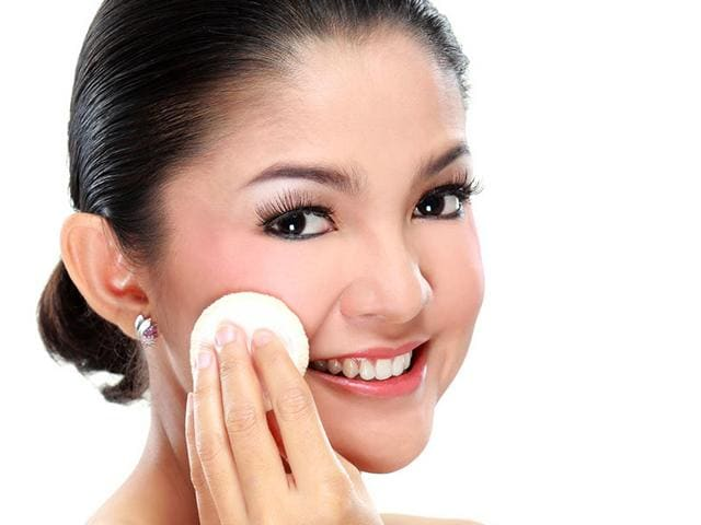 Keep-your-skin-hydrated-for-glowing-skin-Photo-Shutterstock