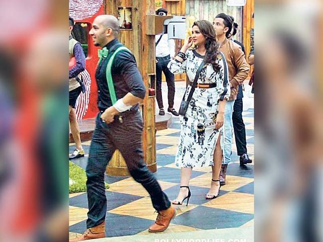 Parineeti-Chopra-walks-out-off-Bigg-Boss-8-house-as-a-prank-on-contestant-Ali-Quli-mirza