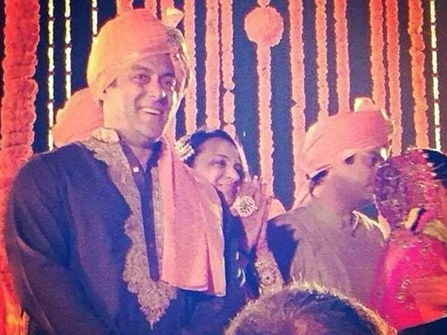 Salman-Khan-Shweta-s-rakhi-brother-attended-her-wedding-with-Pulkit-Samrat-Khan-looks-rather-dapper-in-traditional-attire-Here-s-a-sneak-peek-into-the-wedding