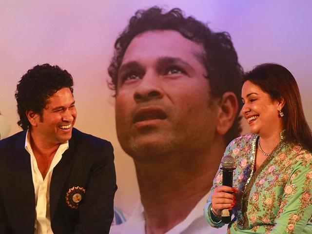 File-Photo-Mumbai-Indians-captain-Sachin-Tendulkar-poses-with-his-daughter-Sara-son-Arjun-and-wife-Anjali-following-the-IPL-Twenty20-cricket-match-between-Deccan-Chargers-and-Mumbai-Indians-at-Hyderabad-AFP-Photo