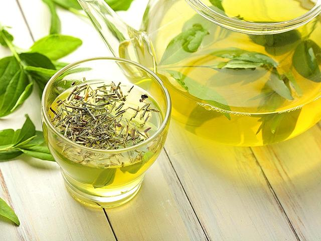 Sip-on-green-chamomile-tea-There-is-enough-proof-that-green-tea-and-chamomile-tea-can-strengthen-the-immune-system-Green-tea-chamomile-tea-is-loaded-with-catechins-an-essential-antioxidant-to-kill-bacteria-and-lower-risk-of-infections-For-maximum-benefit-drink-a-couple-cups-of-green-tea-mixed-with-a-half-a-spoon-of-raw-honey