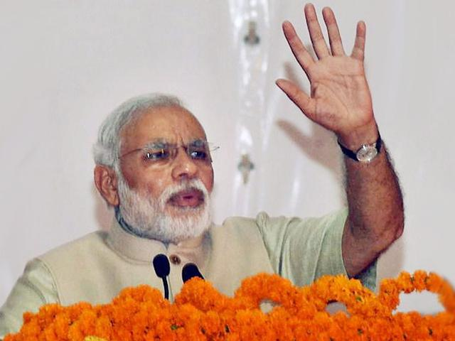 Narendra Modi paving 'third revolution' in India: Shimon Peres