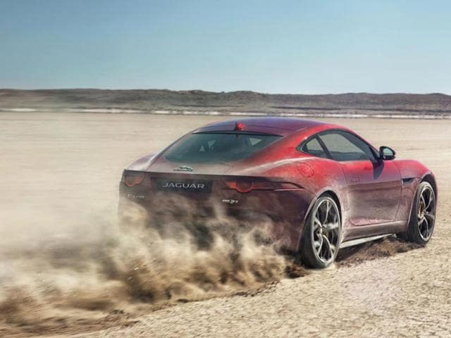 New-All-wheel-drive-Jaguar-F-Type-R-Photo-AFP