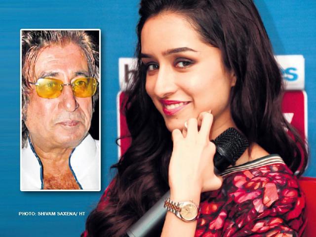 Shraddha-Kapoor-and-dad--Shakti-Kapoor