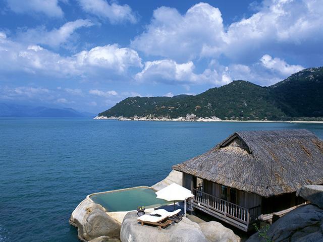 sexiest hotel bedroom in the world,travel,Six Senses Ninh Van Bay