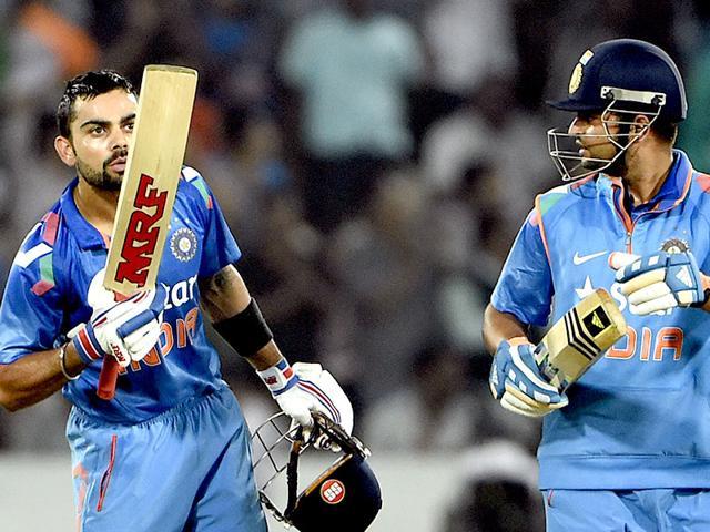 Virat-Kohli-blows-a-kiss-to-Anushka-Sharma-after-completing-6000-runs-in-ODI-against-Sri-Lanka-during-3rd-ODI-played-at-Rajiv-Gandhi-International-Stadium--in-Hyderabad-Vipin-Kumar-HT-Photo