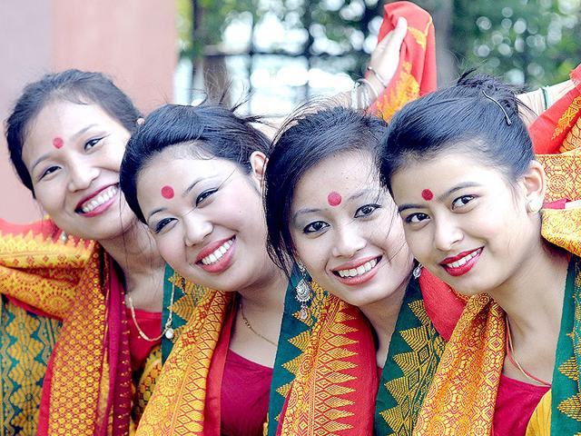 Ttraditional-artists-from-North-East-during-a-photo-call-before-performing-Bodo-dance-at-the-North-East-Festival-2014-in-New-Delhi-Sonu-Mehta-HT-Photo