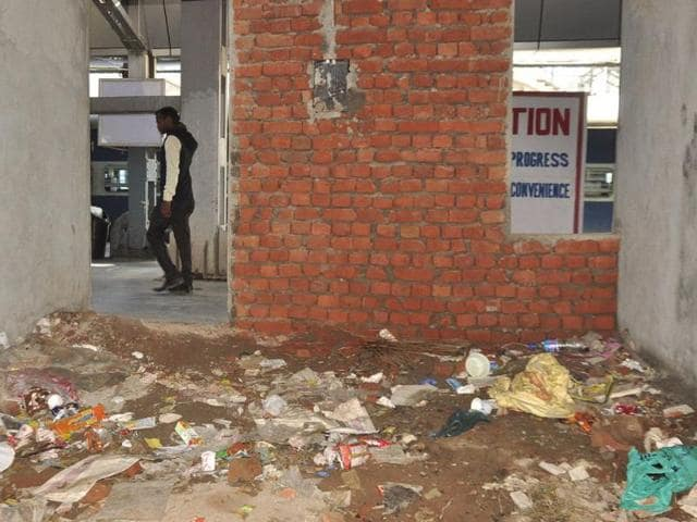 Under-construction-area-at-the-Chandigarh-railway-station-is-being-used-as-dumpyard