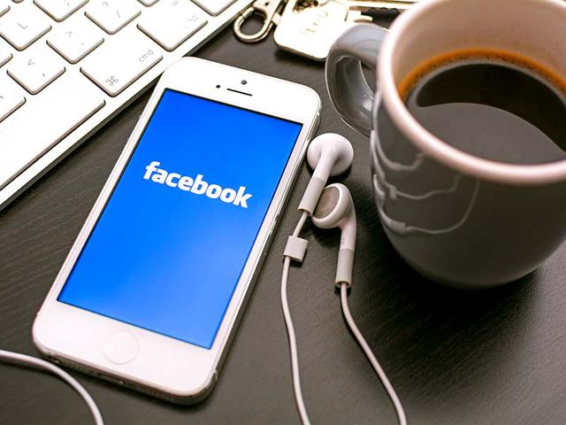 Sharing-news-on-Facebook-can-drive-greater-involvement-with-news-and-information-Photo-Shutterstock