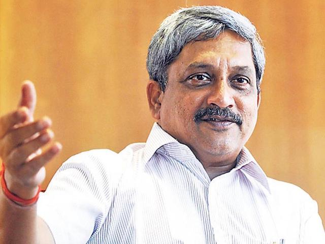 Manohar Parrikar,artillery guns,defence minister