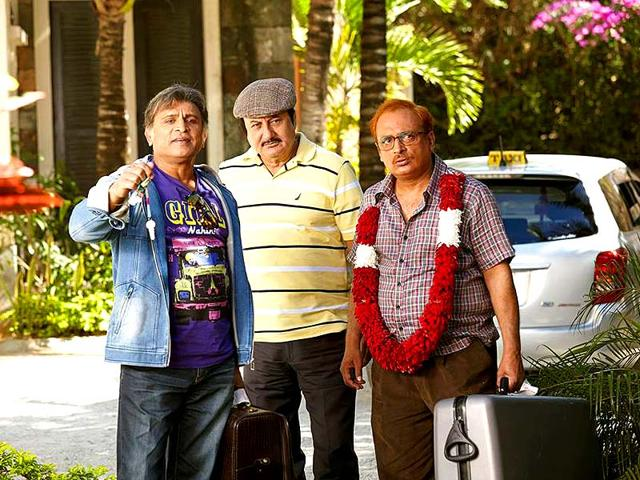 Anupam-Kher-Piyush-Mishra-and-Annu-Kapoor-in-a-still-from-The-Shaukeens