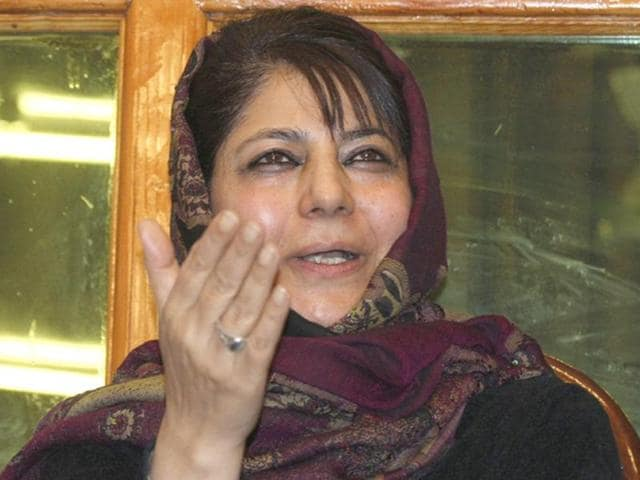 Peoples-Democratic-Party-PDP-president-Mehbooba-Mufti-shows-the-victory-sign-after-being-declared-winner-for-the-parliamentary-seat-of-Anantnag-in-Srinagar-EPA-Photo