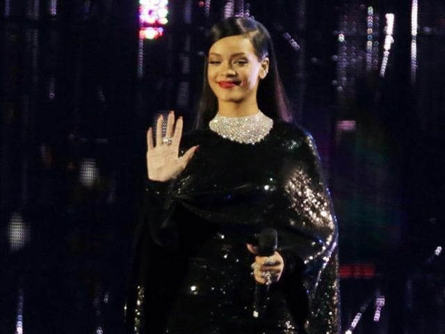Rihanna-looks-stunning-at-the-Concert-of-Valor-Reuters