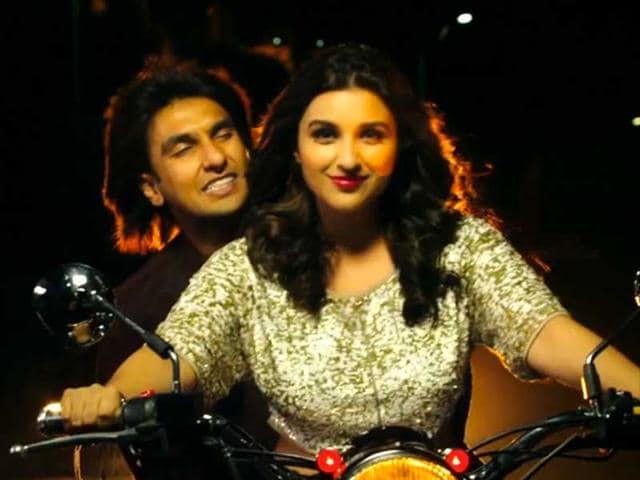 Kill-Dil-Review-Govinda-Ranveer-entertain-otherwise-predictable-movie