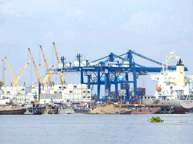 Mumbai port land