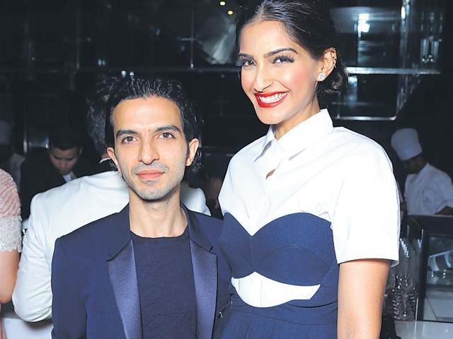 Imran-Amed-with-Bollywood-star-Sonam-Kapoor-at-a-dinner-he-hosted-in-Delhi-last-week-A-british-Canadian-of-Indian-descent-Amed-is-the-founder-and-editor-in-chief-of-the-website-Business-of-Fashion