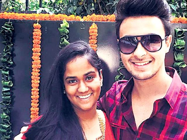 Happy-couple-Arpita-and-Aayush-Sharma-HT-Photo