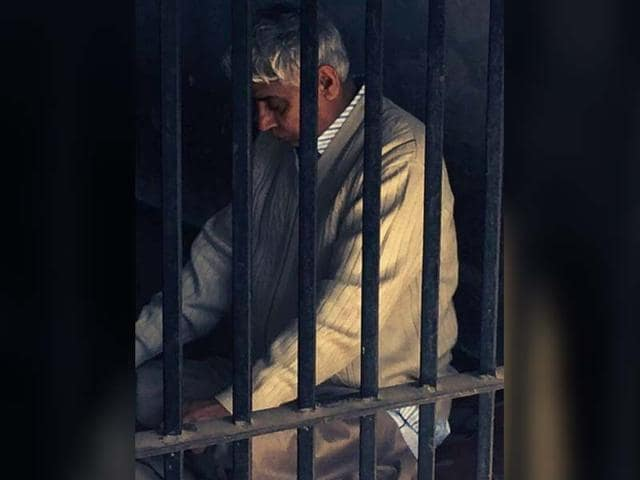 From-Ashram-to-jail-Rampal-in-a-lock-up-in-Panchkula-police-station-on-Thursday-morning-hours-before-his-appearance-in-the-Punjab-and-Haryana-High-Court