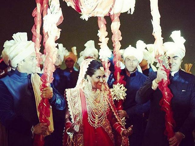 Brothers-Arbaaz-Khan-Sohail-Khan-and-Salman-Khan-walk-with-Arpita-Khan--on-her-wedding-Photo-BeingSalmanKhan-Instagram