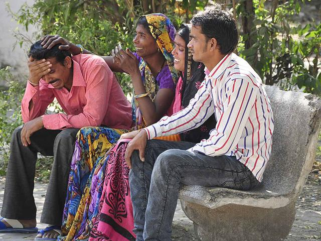 Wailing-parents-of-the-child-who--died--in-Ujjain-on-Tuesday-Sunil-Magariya-HT-photo