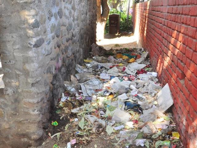 The-back-portion-of-the-bus-stop-in-Sector-21-has-been-converted-into-a-dumping-ground-by-the-residents-Karun-Sharma-HT