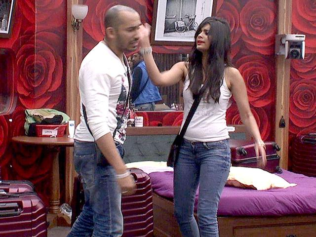 Altercation-between-Sonali-Raut-and-co-contestant-Ali-Quli-Mirza-in-Bigg-Boss-house-Photo-Bigg-Boss-website