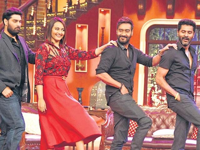 Kunaal-Roy-Kapur-Sonakshi-Sinha-Ajay-Devgn-and-Prabhudheva-danced-on-the-sets-of-Comedy-Nights-with-Kapil