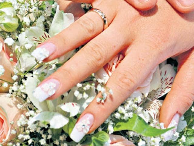 nails,nailpaint,nail trend