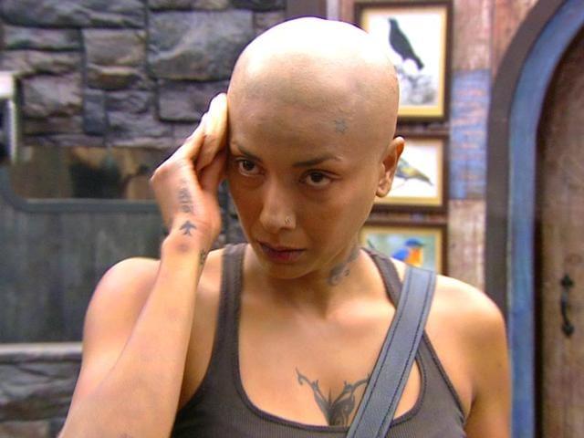 Diandra-Soares-goes-bald