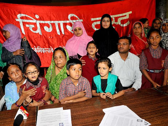 Children-of-gas-survivors-along-with-members-of-Chingari-Trust-at-a-press-conference-in-Bhopal-Praveen-Bajpai-HT-photo