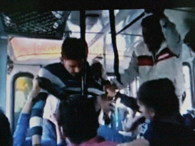 Two-sisters-confronting-men-after-they-tried-to-assault-them-in-a-moving-bus-in-Rohtak-on-Sunday-Manoj-Dhaka-HT-