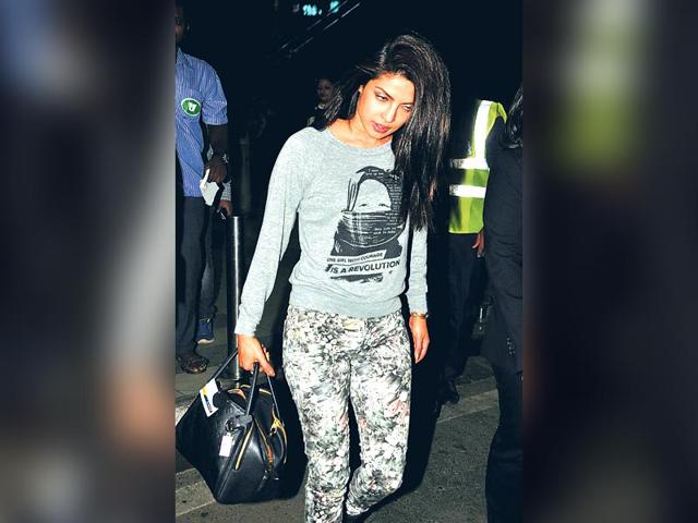 Priyanka-Chopra-was-snapped-outside-the-domestic-airport-in-Mumbai-HT-Photo