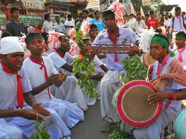 Tribals-take-part-in-the-ancient-festival-Sarhul-in-Ranchi-Diwakar-Prasad-HT-Photo