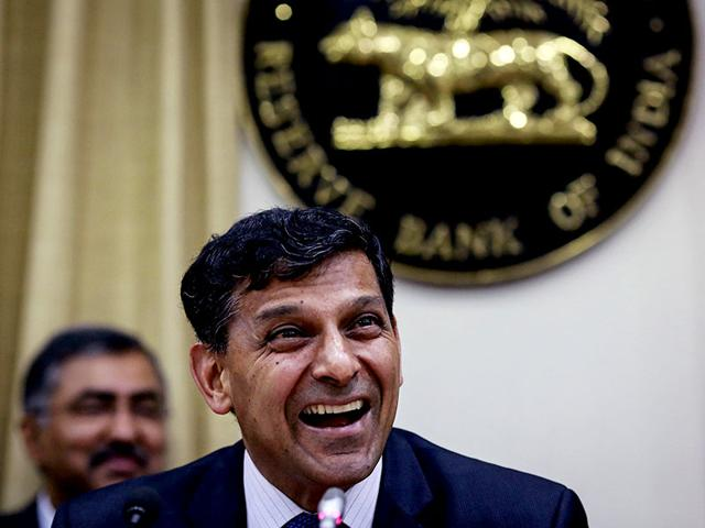 First differential bank licences to be issued by month-end: Rajan