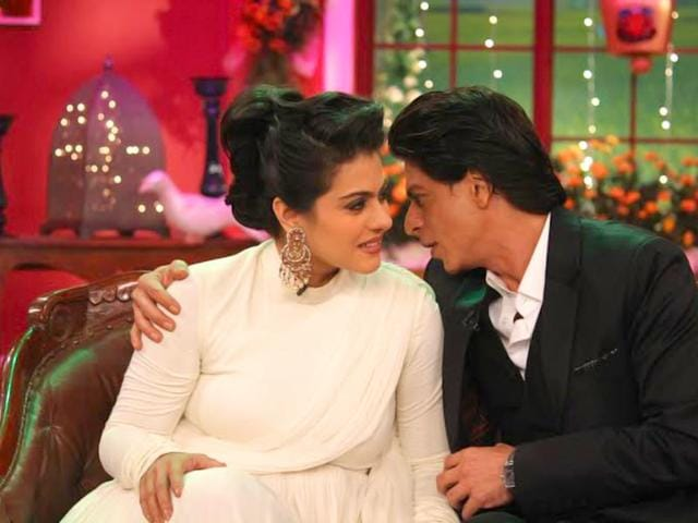 Shah Rukh Khan and Kajol share a candid moment on the sets of Comedy Nights with Kapil where they celebrated the 1000th week of the movie at Maratha Mandir, Mumbai. Browse through for more pics.