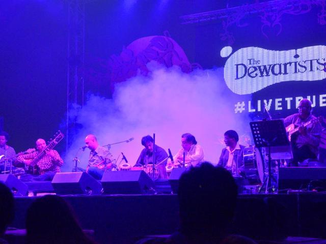 Sachal Jazz Ensemble,Ravinder Shisve,Pakistani musicians