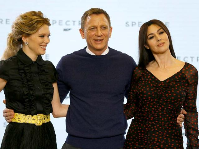 Actors-Naomie-Harris-Lea-Seydoux-Daniel-Craig-Monica-Bellucci-and-Christoph-Waltz-pose-during-an-event-to-launch-the-24th-James-Bond-film-Spectre-at-Pinewood-Studios-in-London-AFP-Photo