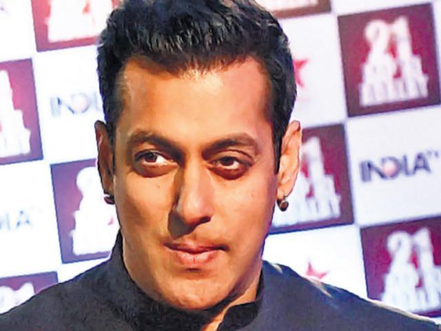 Hang Tiger Memon, not his brother Yakub: Salman Khan on Twitter