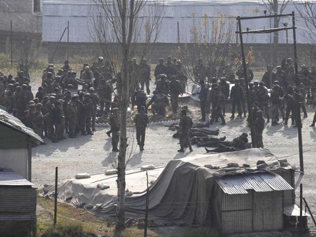 Army-soldiers-stand-near-the-bodies-of-militants-killed-in-encounter-at-Gingal-village-in-Uri-Tehsil-of-Baramula-district-in-Jammu-and-Kashmir-Waseem-Andrabi-HT-Photo