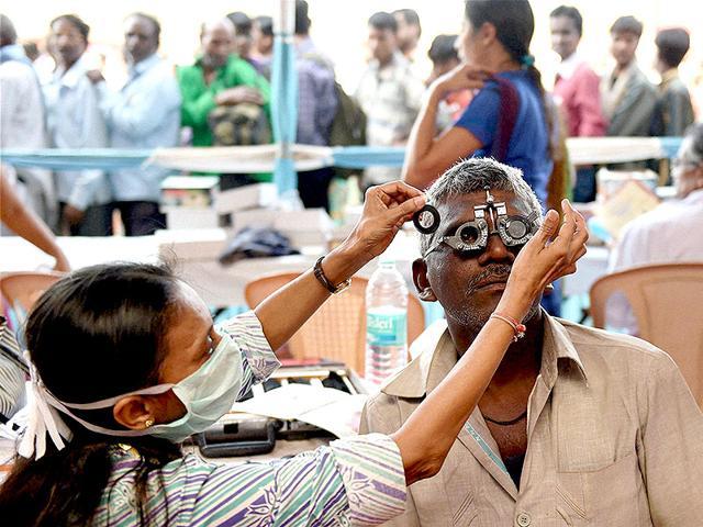 mathura,eye camp,blind