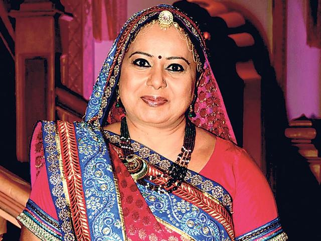 Neelu-Waghela-on-the-sets-of-Diya-Aur-Baati-Hum