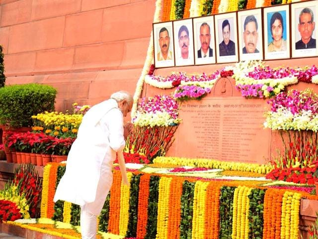 Leaders-pay-homage-to-martyrs-of-Parliament-attack-Sonu-Mehta-HT-Photo