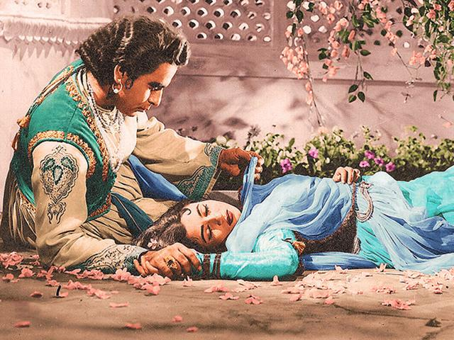 History-repeating-Urdu-classic-Mughal-e-Azam-1960-was-rereleased-in-colour-in-2004-Bollywood-has-played-a-key-role-in-preserving-Urdu-in-its-lyrics