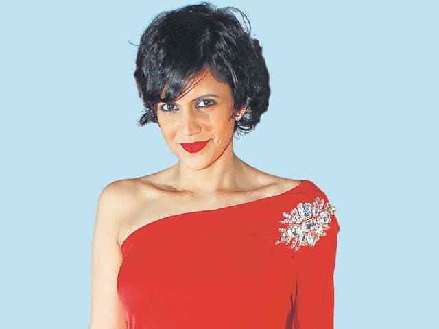 Mandira-Bedi-played-the-coy-sister-of-the-groom-essayed-by-actor-director-Parmeet-Sethi