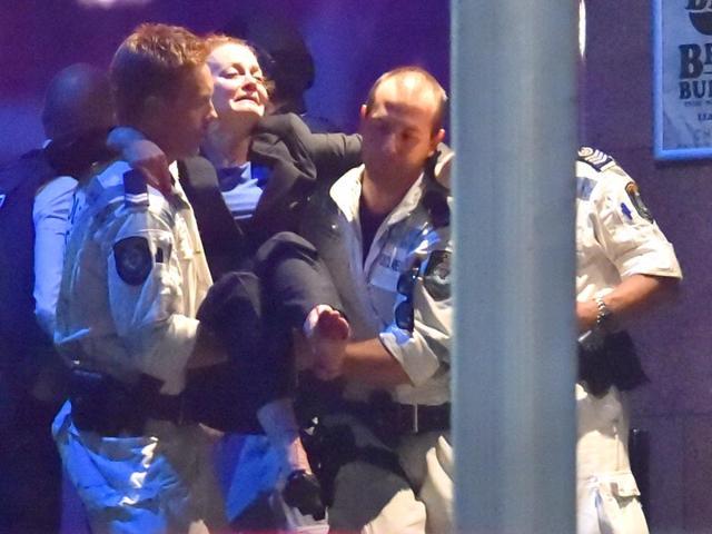 sydney siege,sydney cafe hostages,sydney hostage crisis pictures