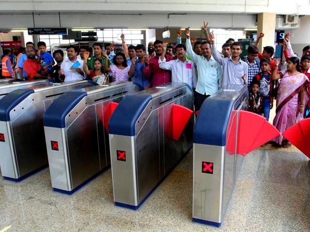 Metro 3 station,South Mumbai,political parties