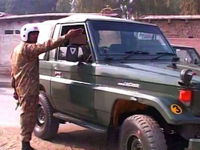 Security-forces-arrive-at-the-site-of-the-army-run-school-which-is-under-attack-by-Taliban-militants-Photo-courtesy-Dawn-News-screengrab