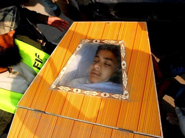 Peshawar attack,Peshawar school attack,Taliban militants storm Peshawar school